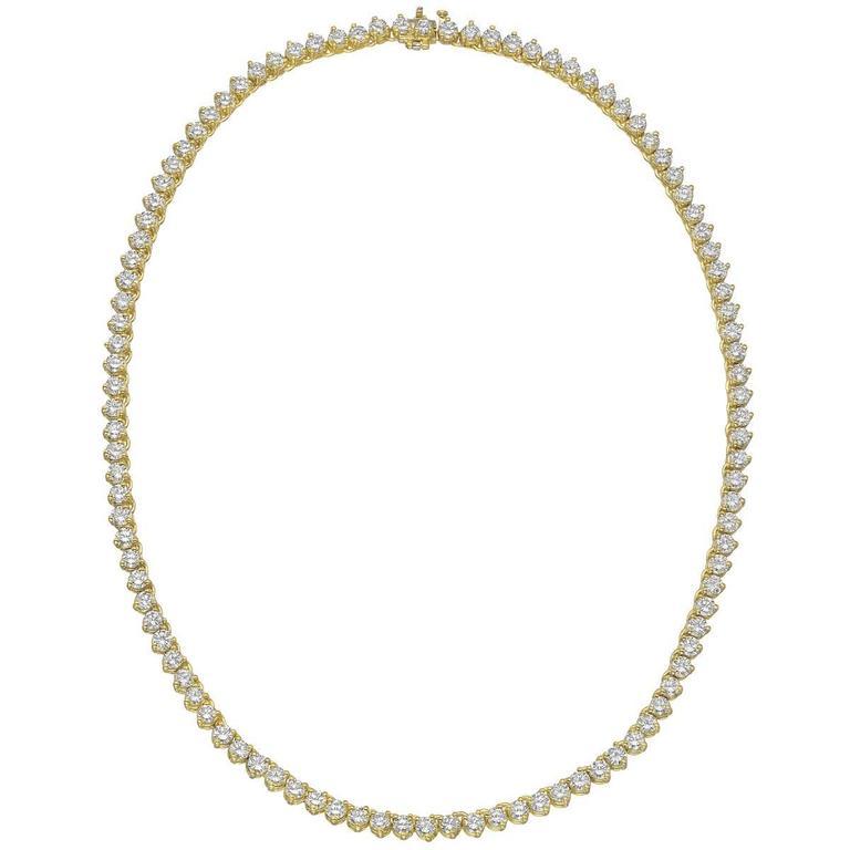 Round Brilliant Diamond Gold Line Necklace