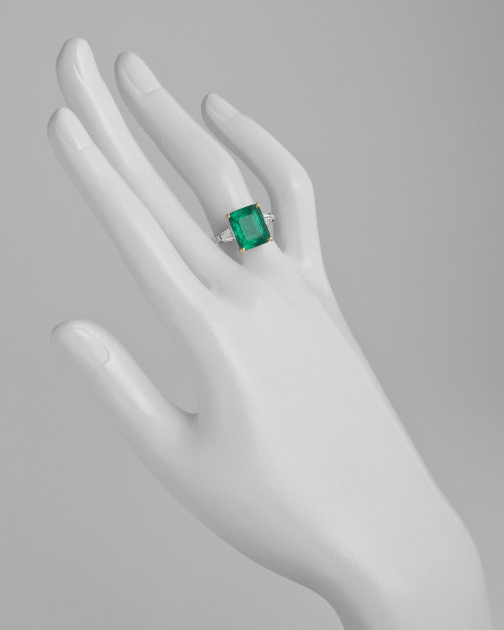 Cartier 499 Carat Colombian Emerald Diamond Ring 2