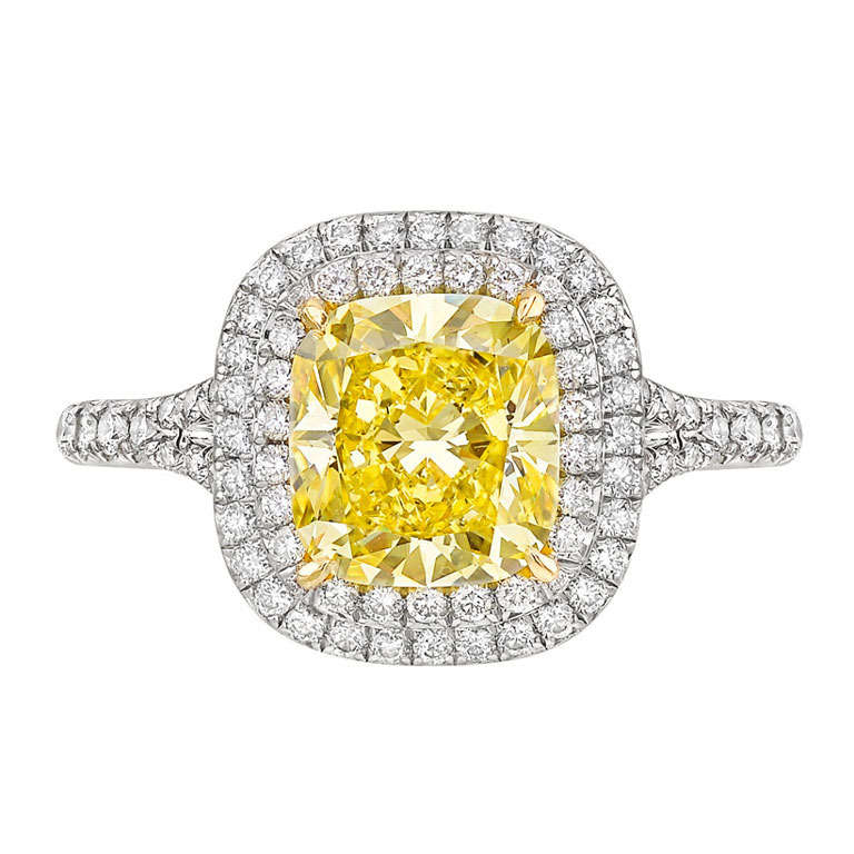 51b3ca6c093 Tiffany   Co. 2.68 Carat Fancy Vivid Yellow Diamond