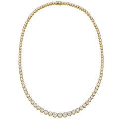 ​Graduated Diamond Gold Line Necklace
