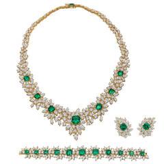 Emerald Diamond Gold Jewelry Suite
