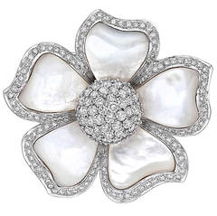Mother-of-Pearl Diamond Gold Flower Brooch