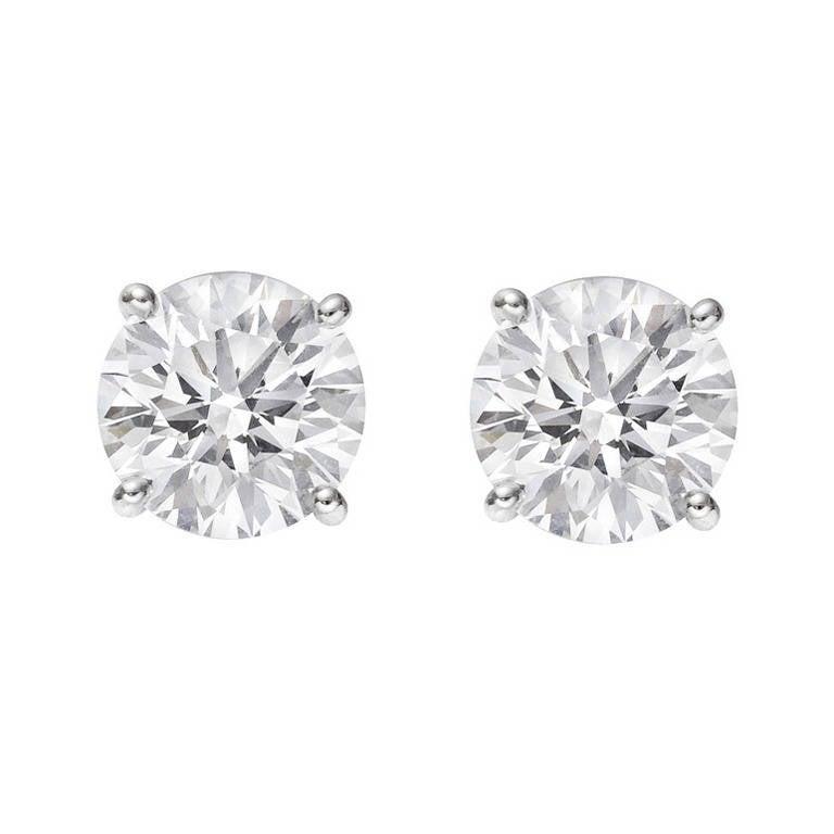 Round Brilliant Diamond Stud Earrings (4.29 ct tw) For Sale