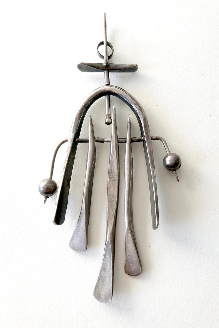 Sterling Silver American Modernist Handwrought Kinetic Pendant In Good Condition For Sale In Los Angeles, CA