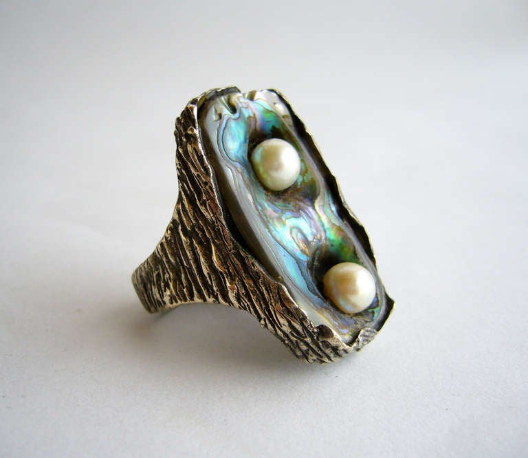 Ursula Hammil Abalone Shell Pearl Modernist Ring In Excellent Condition For Sale In Los Angeles, CA