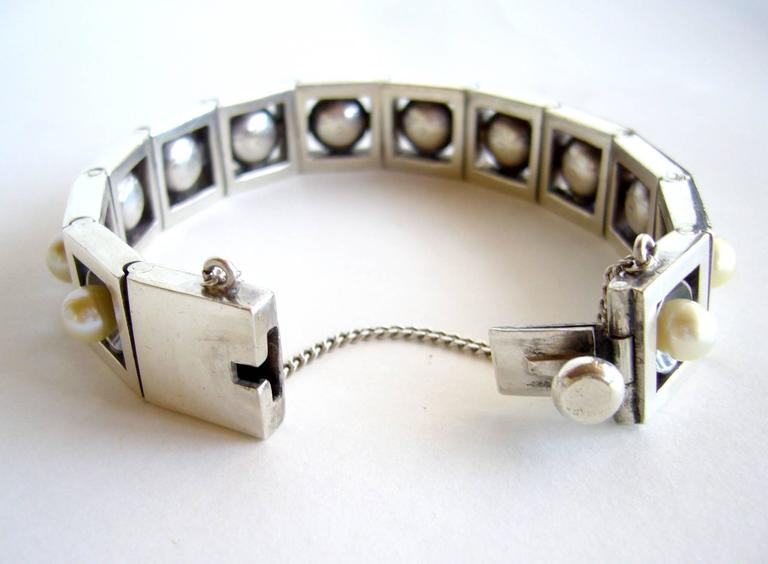 Antonio Pineda Mexican Modernist Sterling Silver Pearl Link Bracelet In Excellent Condition For Sale In Los Angeles, CA