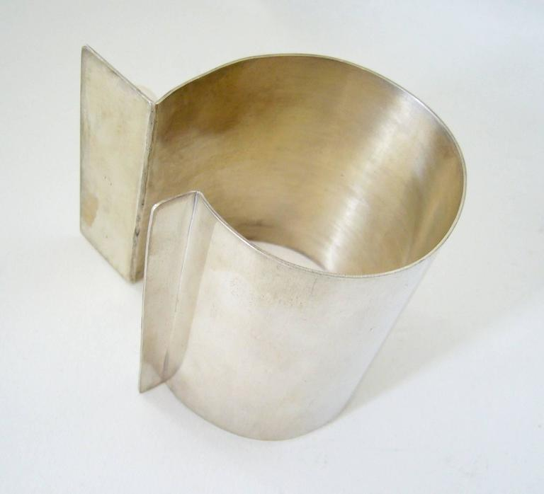 Heidi Abrahamson Pearl Sterling Silver Cuff Bracelet In Excellent Condition For Sale In Los Angeles, CA