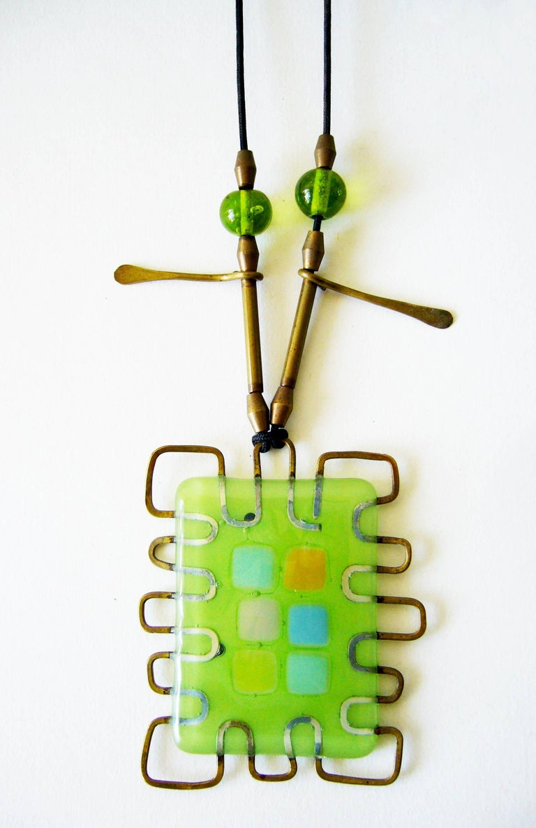 Frances and Michael Higgins Studio abstract and wire glass pendant, circa late 1990's.  Pendant measures 3