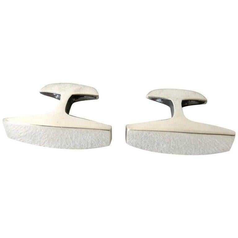 Ronald Pearson Sterling Silver Modernist Anvil Cufflinks In Excellent Condition For Sale In Los Angeles, CA