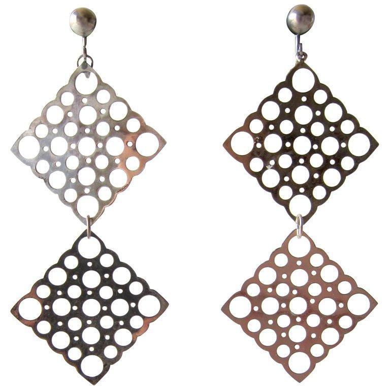 Artisan Lisa Vitali Sterling Silver Pitsi Dangling Earrings For Sale