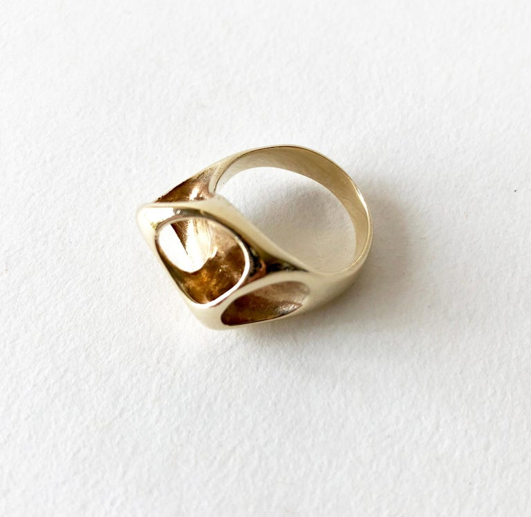Ed Wiener Gold Abstract Modernist Moon Crater Ring In Good Condition For Sale In Los Angeles, CA