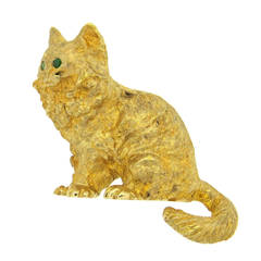 Whimsical Emerald Gold Cat Brooch