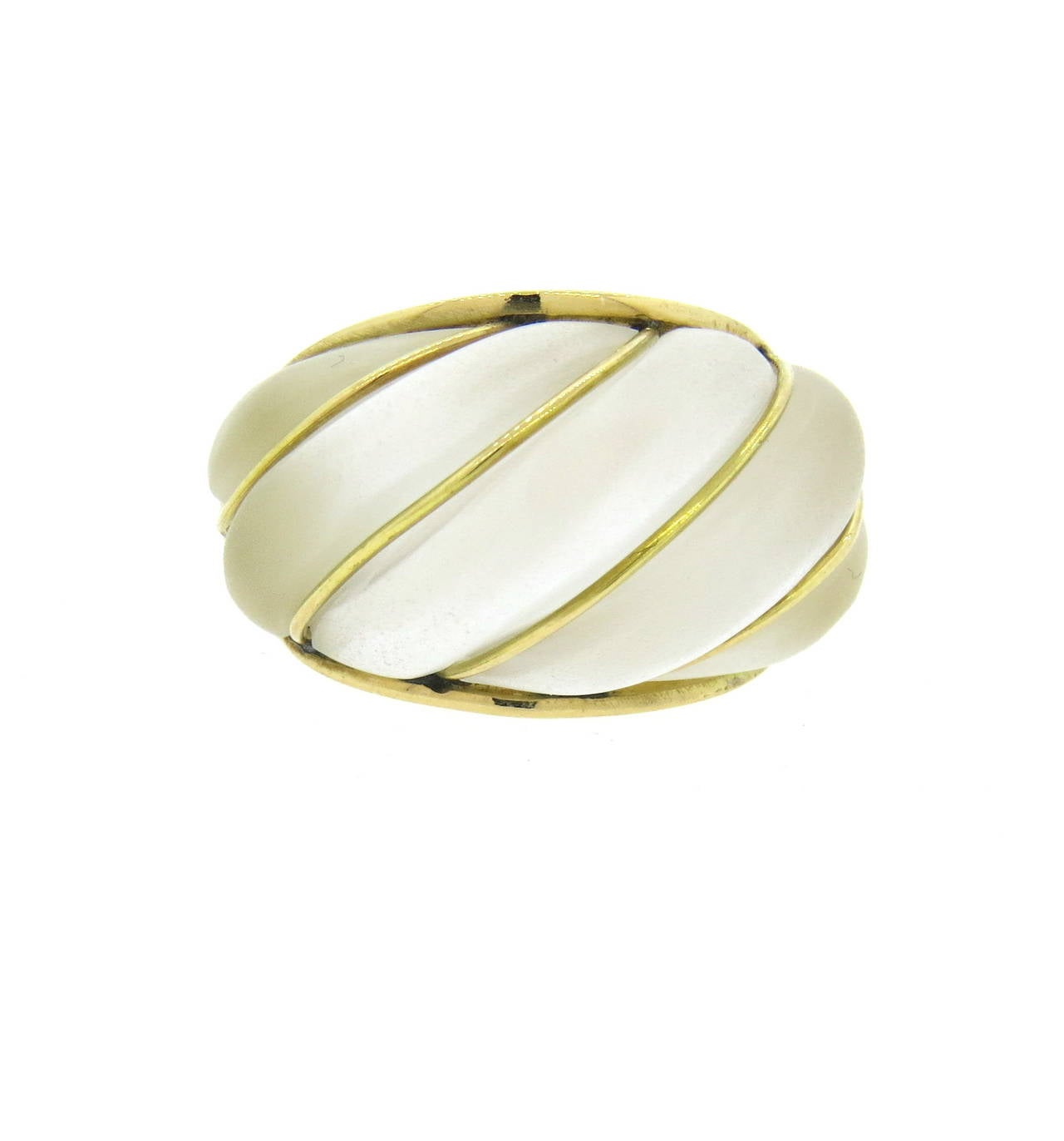 18k gold dome ring with frosted crystal top. Ring size 6 1/4, ring top is 15mm wide. Weight of the piece - 12.1 grams
