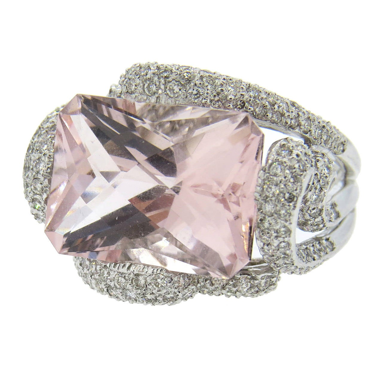 Modern Diamond Morganite Gold Ring For Sale at 1stdibs