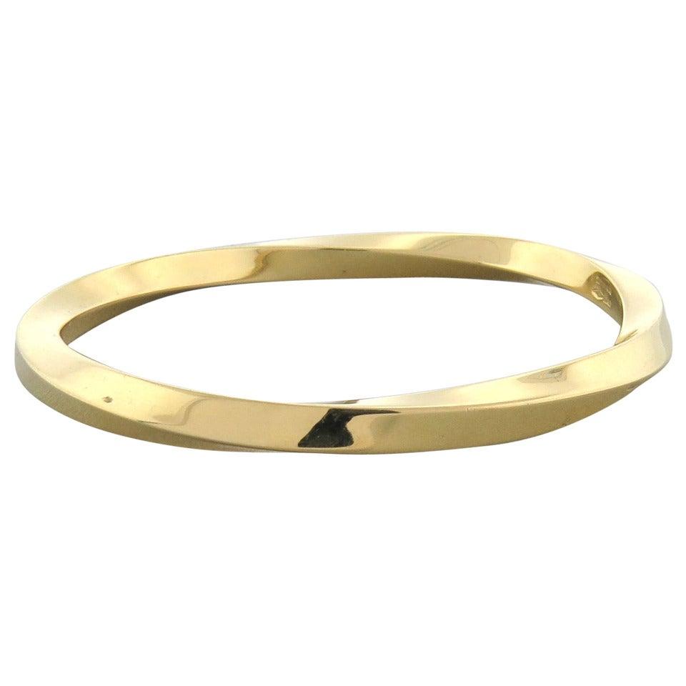 Tiffany And Co Classic Twist Bangle Gold Bracelet At 1stdibs. Hamsa Hand Bracelet. Bird Pendant. Design Earrings. 28mm Watches. Oval Shape Earrings. Little Girl Lockets. Jade Beads. Strong Bracelet
