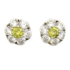 Van Cleef & Arpels Fleurette Diamond Gold Stud Earrings