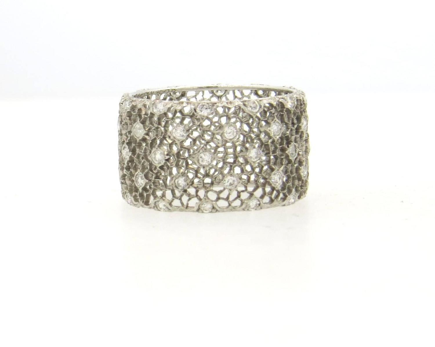 buccellati tulle honeycomb gold wide wedding band