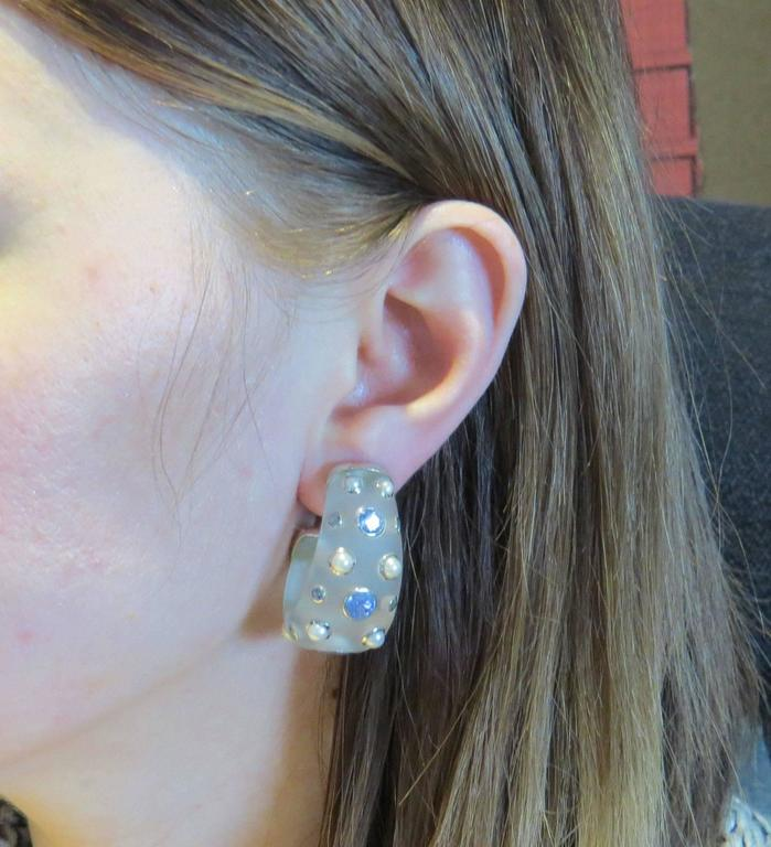 Large Trianon Frosted Crystal Pearl Iolite Gold Half Hoop Earrings For Sale 1