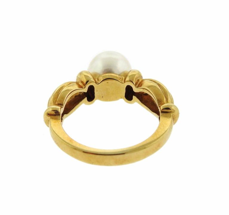 Tiffany & Co. Classic Pearl Gold Ring In Excellent Condition For Sale In Lahaska, PA