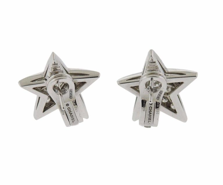 Chanel Comete Gold Diamond Star Earrings In Excellent Condition For Sale In Lahaska, PA