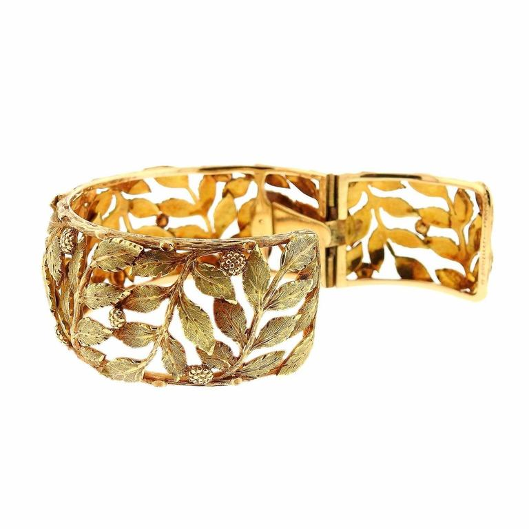 An 18k yellow gold bracelet by Mario Buccellati.  The bracelet will fit approximately a 6