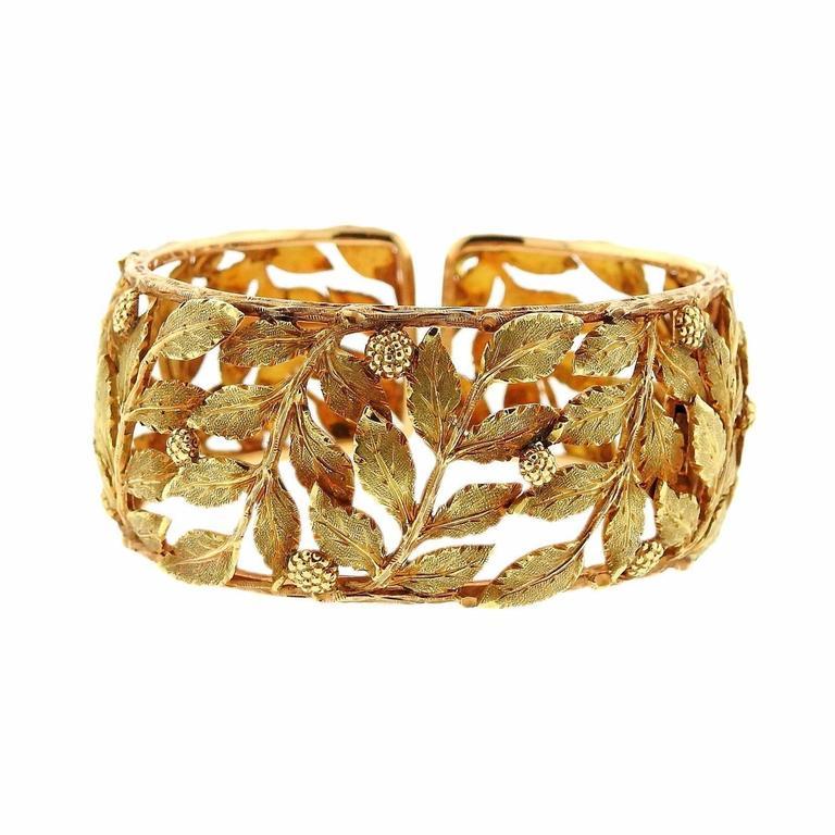4231b0c7b53e Mario Buccellati Classic Leaves Gold Cuff Bracelet For Sale at 1stdibs