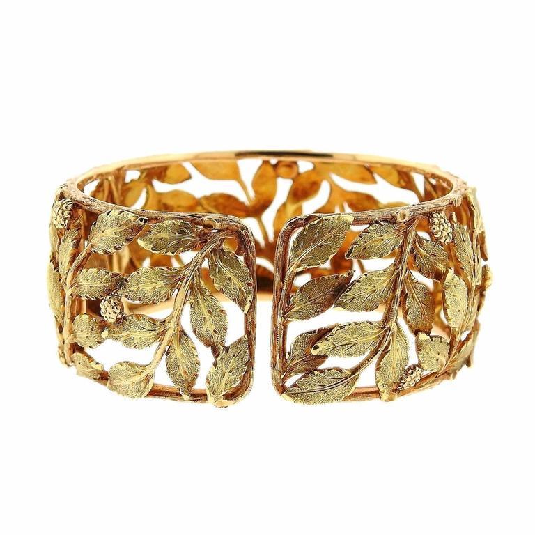 Mario Buccellati Classic Leaves Gold Cuff Bracelet For Sale 1