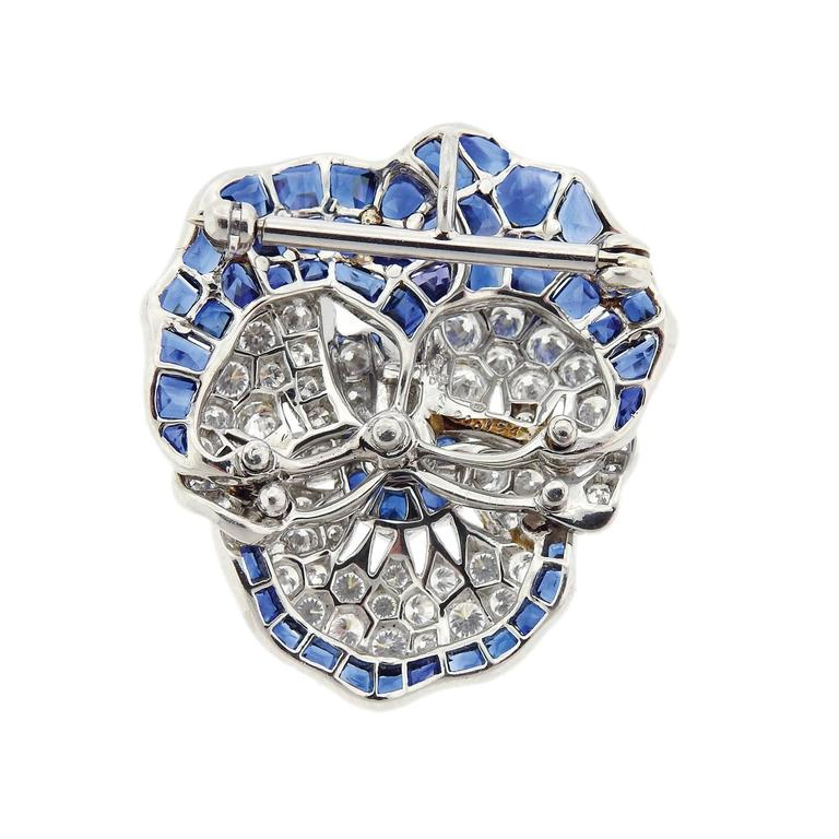 Large Oscar Heyman Blue Sapphire Diamond Platinum Pansy Flower Brooch In Excellent Condition For Sale In Boca Raton, FL