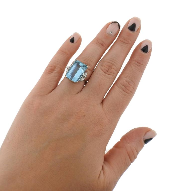 H Stern Aquamarine Diamond Gold Ring In Excellent Condition For Sale In Lahaska, PA
