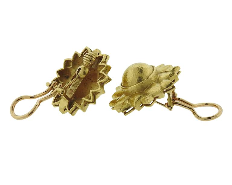 Elizabeth Locke Flower Gold Earrings 3