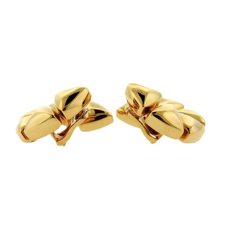 Pair of 18k gold earrings, crafted by Vhernier for Freccia collection. Earrings measure 32mm x 30mm. Marked: Vhernier, 750, 30W. Weight - 24.2 grams. Retail $8000