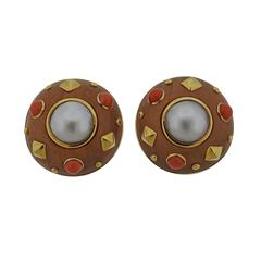 Trianon Wood Coral Pearl Gold Earrings