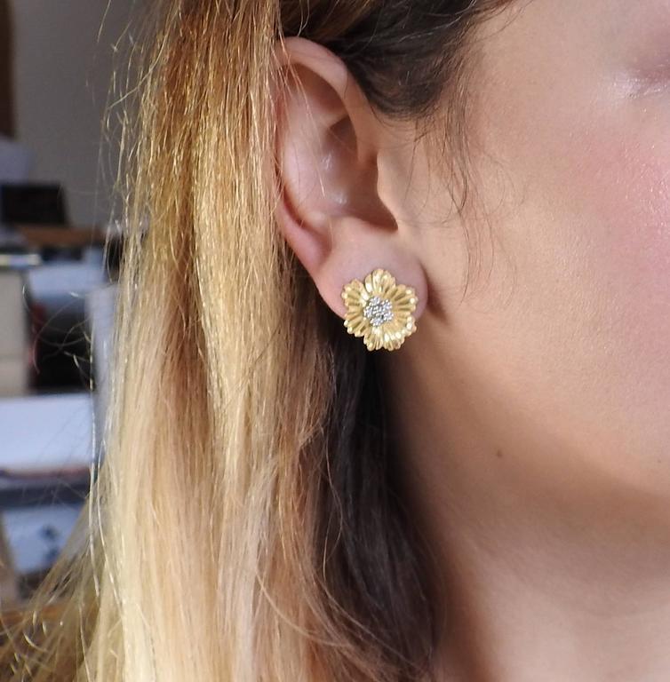Buccellati Diamond Gold Flower Day Night Drop Earrings For Sale 1