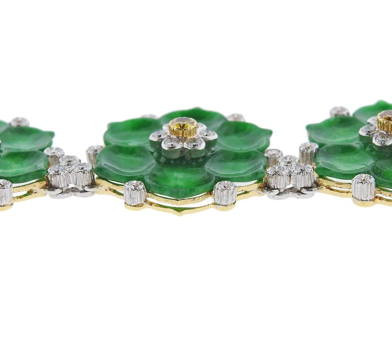 Buccellati Jade Diamond Gold Flower Necklace In New Condition For Sale In Boca Raton, FL