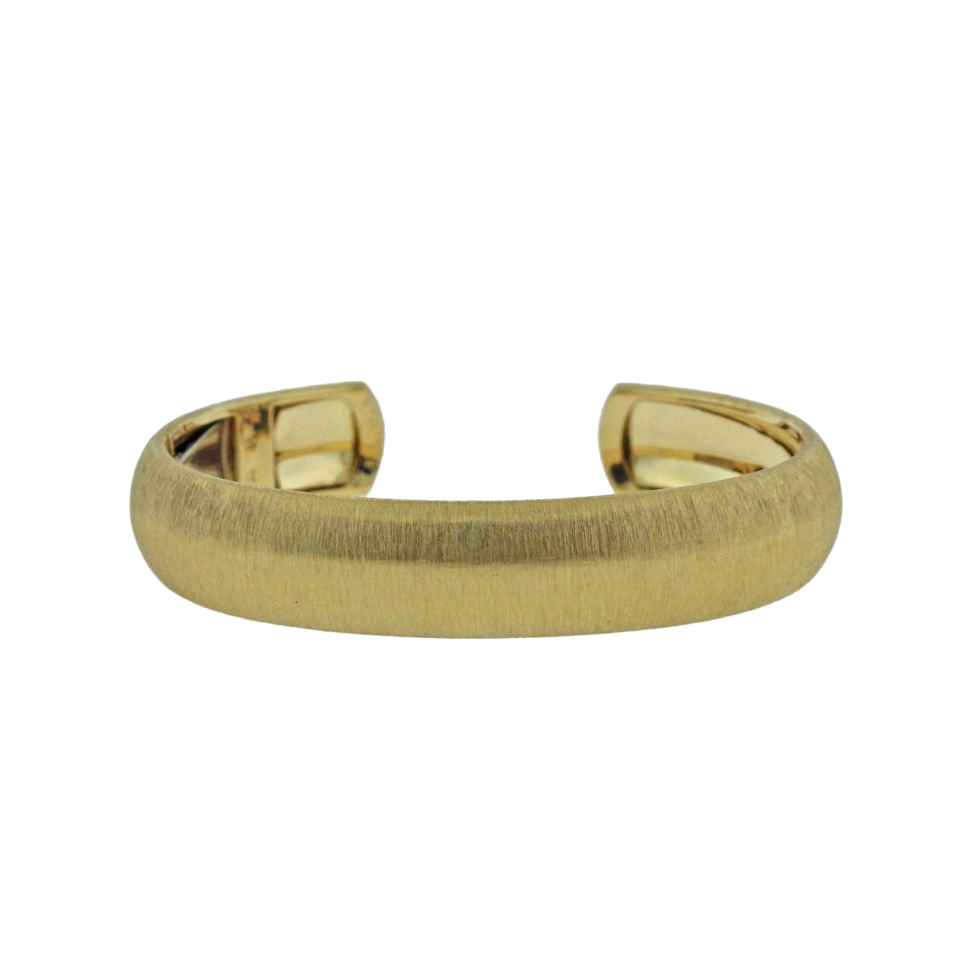 f297b5ca0c2b Buccellati Classic Yellow Gold Cuff Bracelet For Sale at 1stdibs