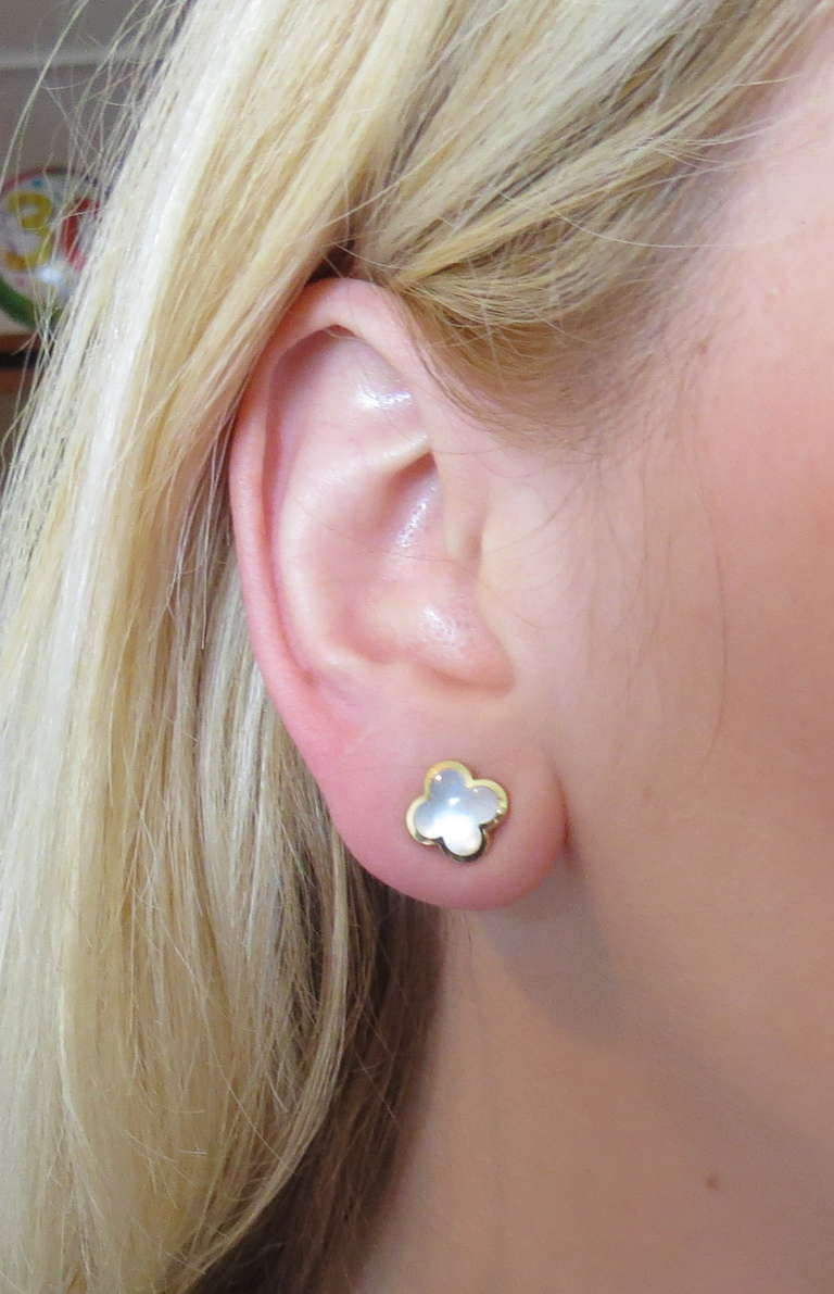 Women S Van Cleef Arpels Alhambra Mother Of Pearl Gold Stud Earrings For