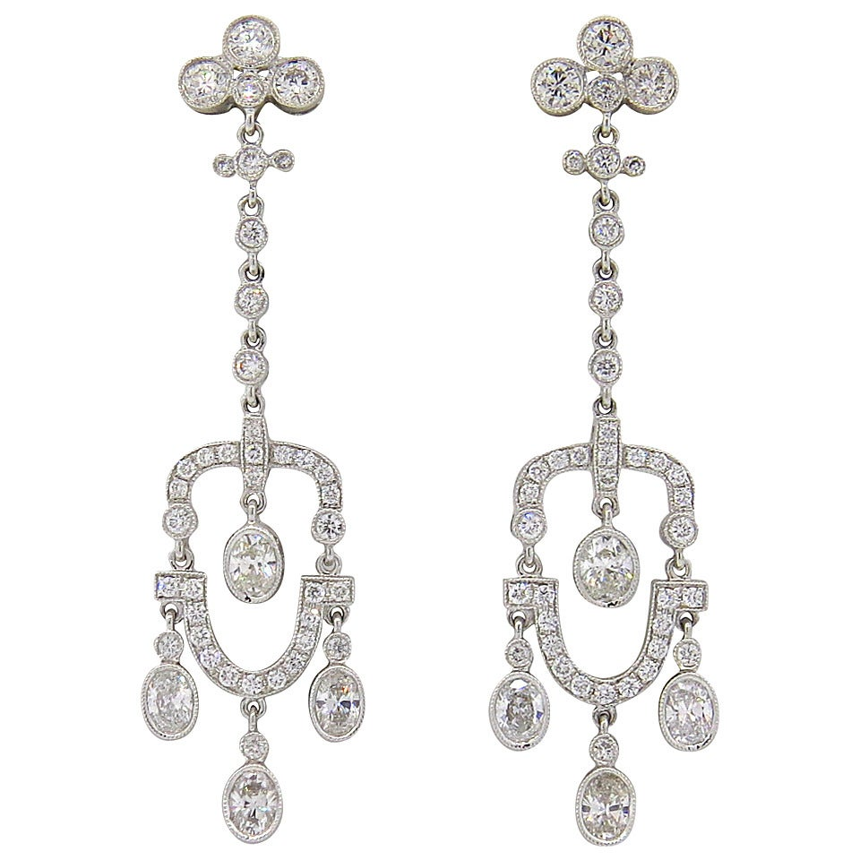 Beautiful Diamond Gold Chandelier Earrings For Sale at 1stdibs