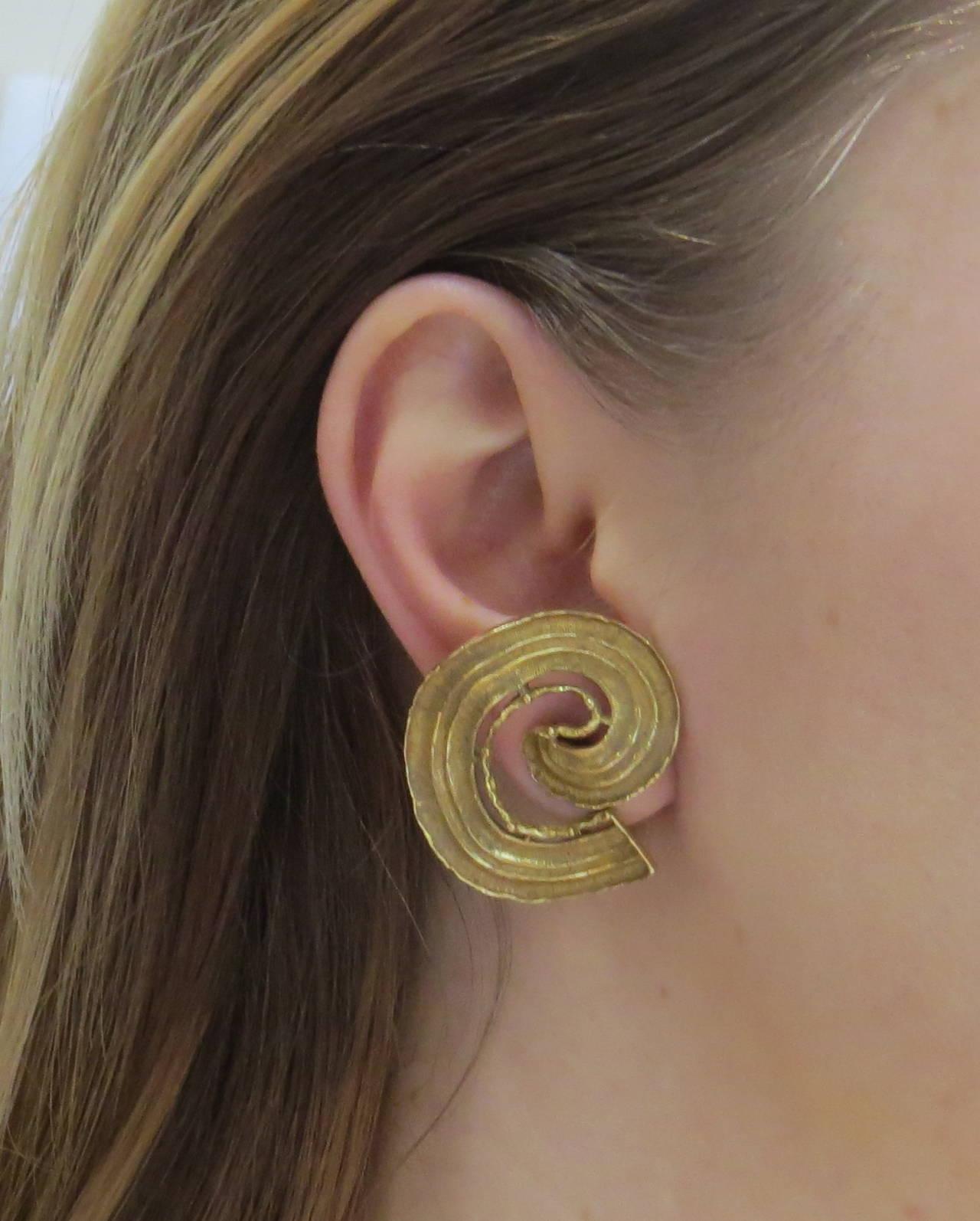 Large 1970s Ilias Lalaounis Gold Swirl Earrings 2