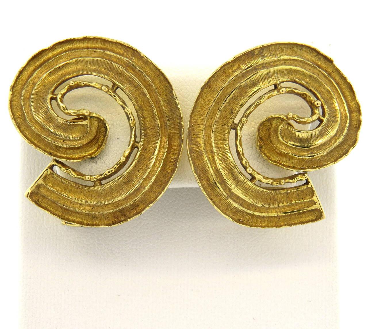 Large 1970s Ilias Lalaounis Gold Swirl Earrings 4
