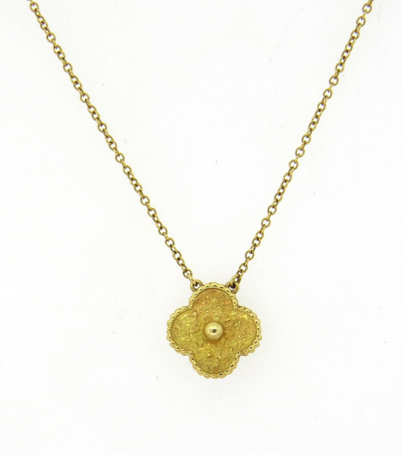 Clover Necklace Van Cleef: Van Cleef And Arpels Vintage Alhambra Gold Clover Pendant