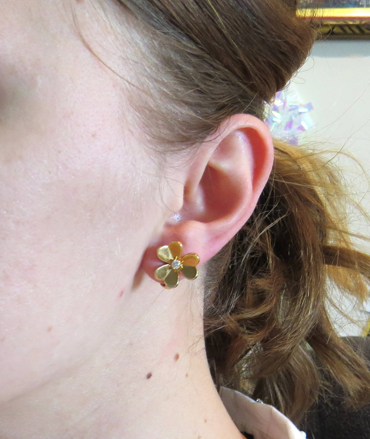 Van Cleef And Arpels Frivole Diamond Gold Flower Earrings At