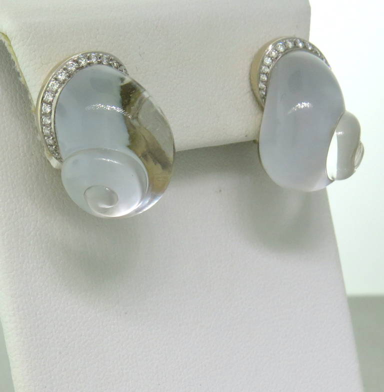 Vhernier Crystal Diamond Mother of Pearl Shell Earrings In Excellent Condition For Sale In Lahaska, PA