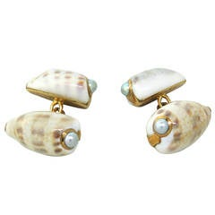 Trianon Pearl Shell Gold Cufflinks