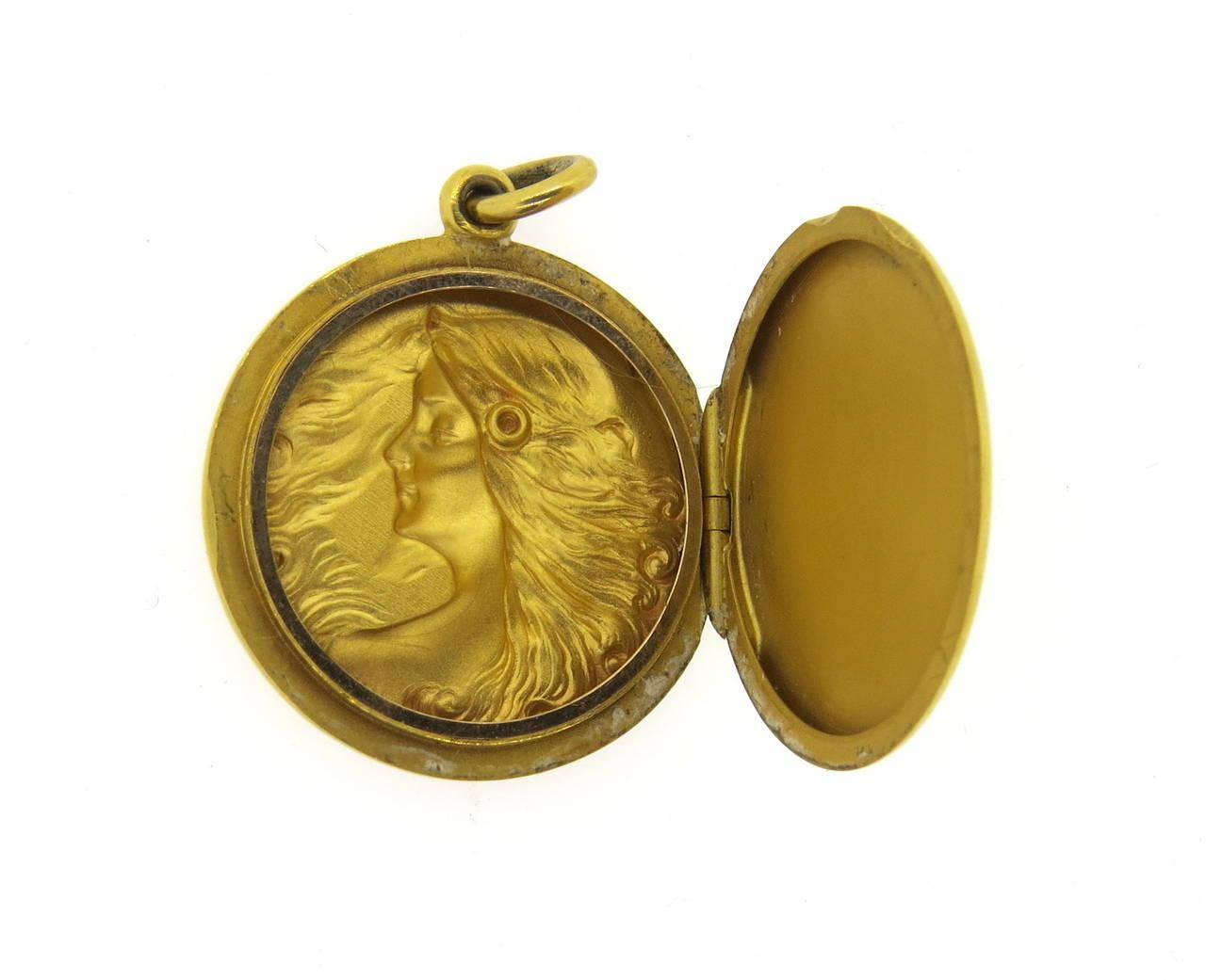 Art Nouveau Gold Nymph Flowing Hair Locket 3