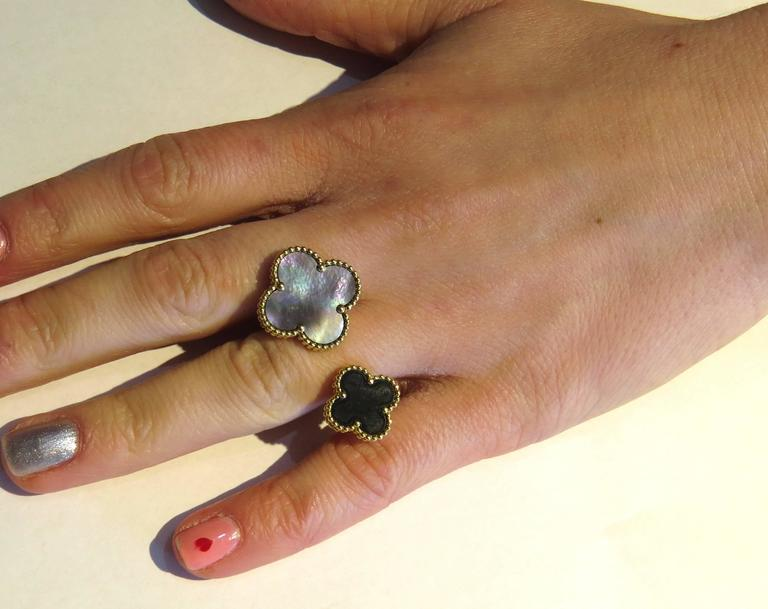 Van Cleef & Arpels Magic Alhambra Between the Finger Onyx Gold Ring For Sale 1