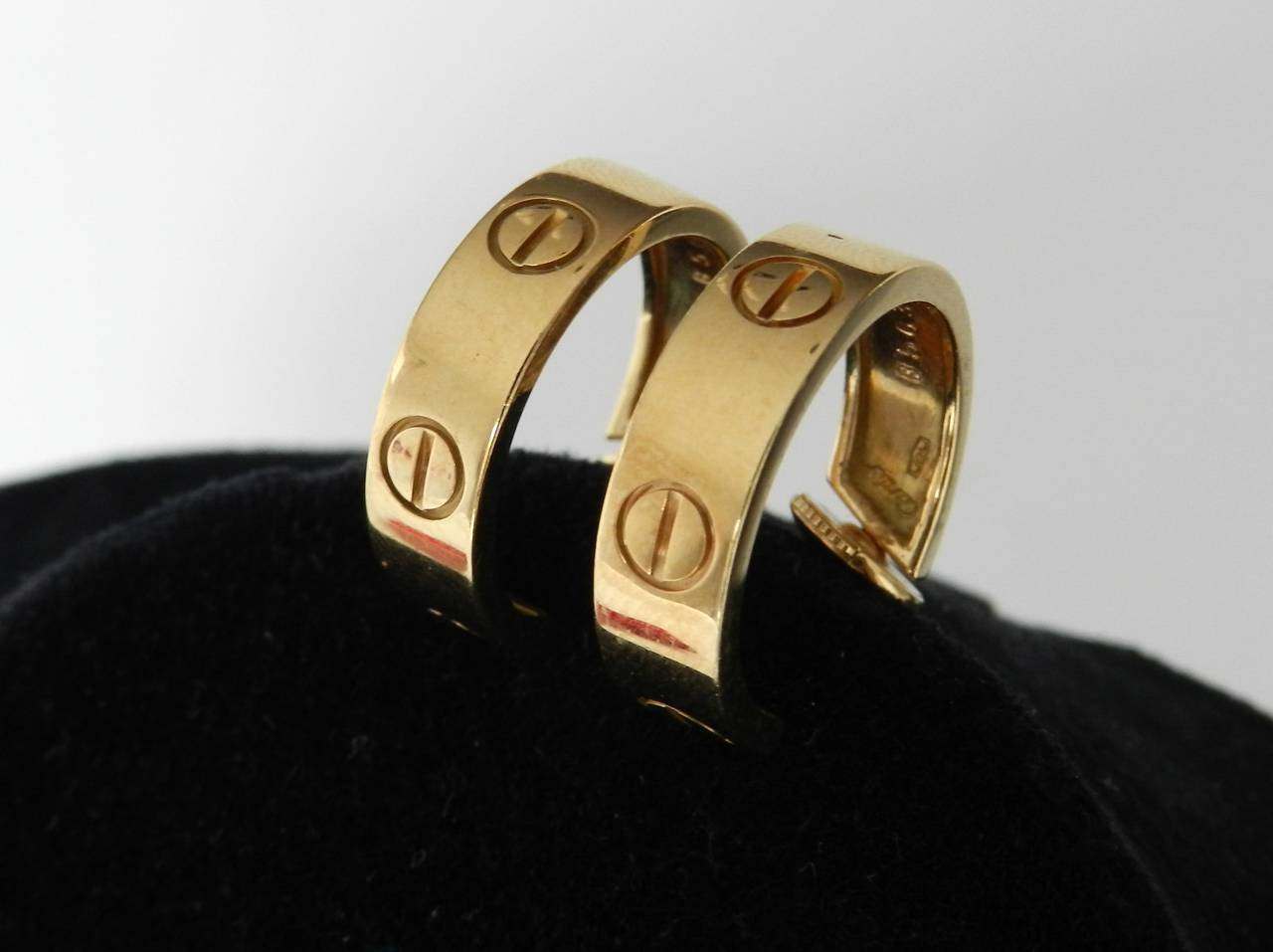 Cartier Gold Love Hoop Earrings In Excellent Condition For Sale In Toronto, Ontario