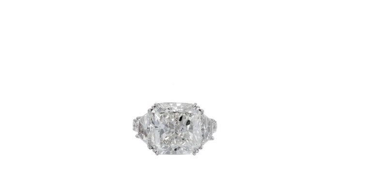 Magnificent 10.08 Radiant Cut Diamond Ring In New Condition For Sale In New York, NY