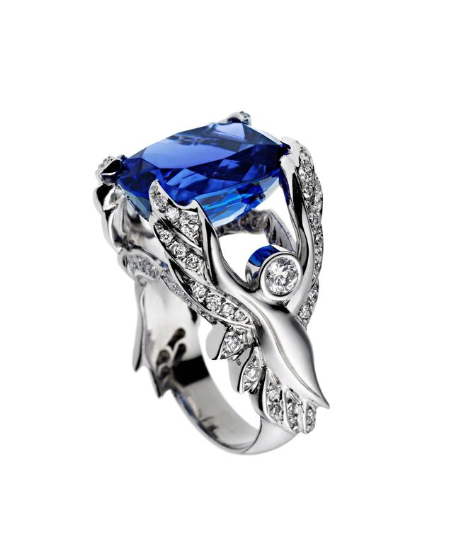 Ana de Costa White Gold Blue Cushion Cut Tanzanite White Diamond Cocktail Ring For Sale