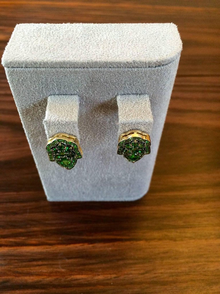Contemporary Ana De Costa Green Pear Round Tsavorite Garnet Yellow Gold Stud Earrings For Sale