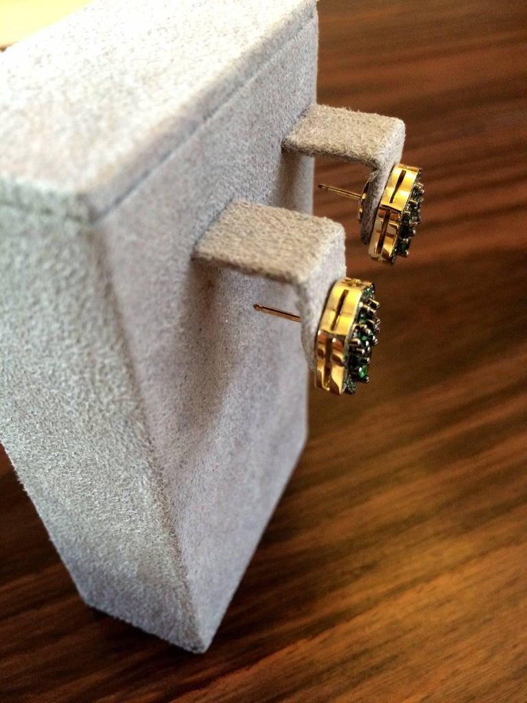 Pear Cut Ana De Costa Green Pear Round Tsavorite Garnet Yellow Gold Stud Earrings For Sale